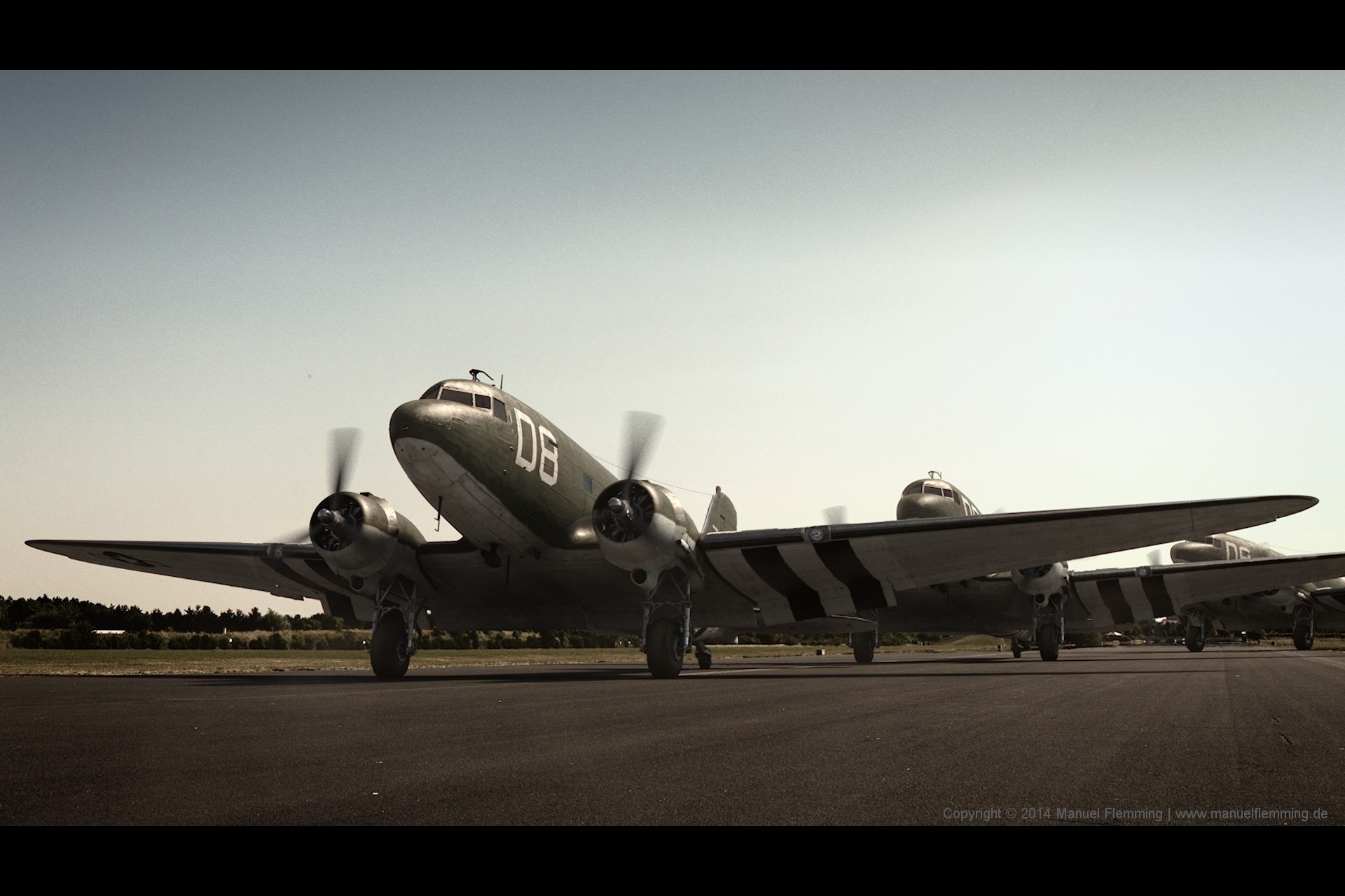 A rendering of multiple C-47 at take off - created using Maya, Mari, Vray and Nuke. I'm responsible for HDRI & Plate photography, modeling, texturing, shading, lighting, rendering and compositing.